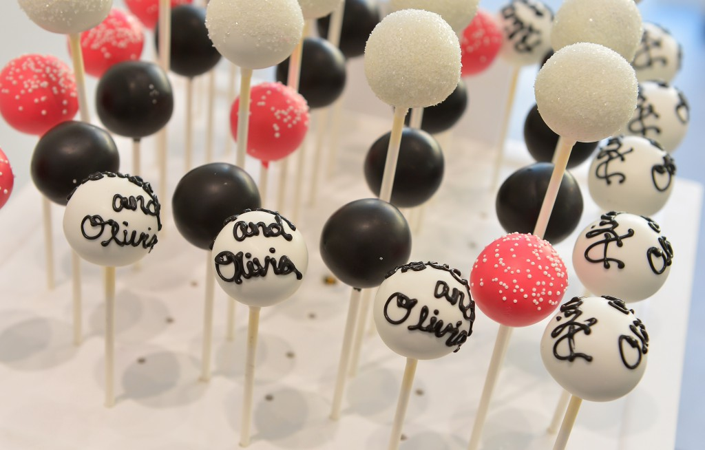 Alice + Olivia Cake Pops
